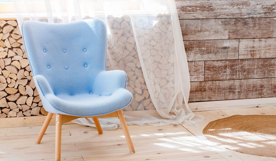 Armchair delivery form London to Manchester from £45